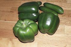 Grüner Süß-Paprika 'Sweet Green'